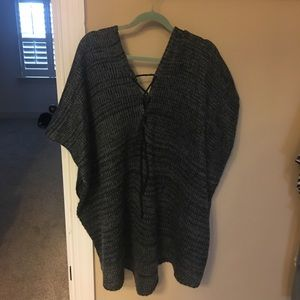 Tops - Poncho sweater